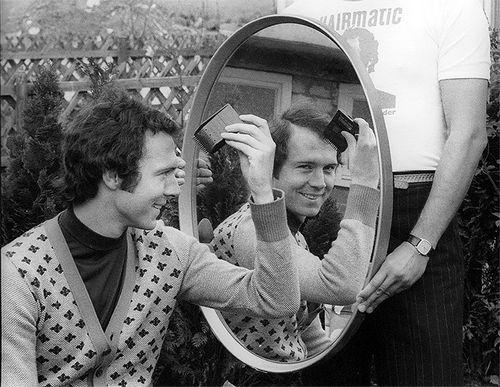 Беккенбауэр в юности записал две пластинки. они помогли ему стать телезвездой