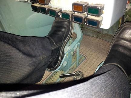 Что происходило в кабине пилотов? главные вопросы о гибели «локомотива»