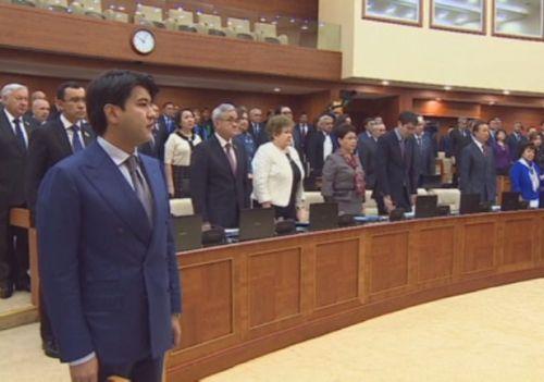 Депутаты почтили минутой молчания память своего коллеги сергея дьяченко