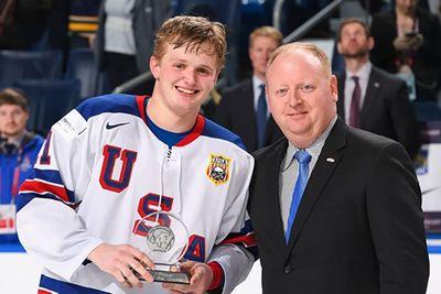 Десять лучших хоккеистов молодёжного чемпионата мира-2018. видео