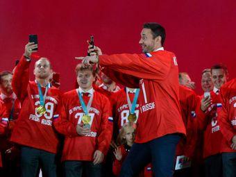 Евгений кузнецов: да это не я придумал есть пельмени из кубка стэнли!