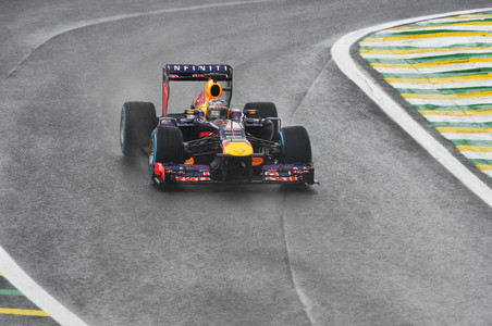 Феттель выиграл последнюю гонку сезона гран-при бразилии