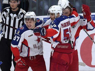 Хоккеисты из астаны приняли ска в ледовом дворце санкт-петербурга