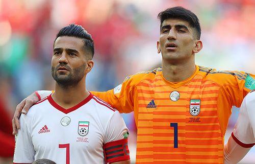 Иранский вратарь бросил родителей ради футбола. и на чм потащил пенальти роналду