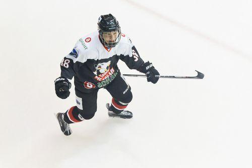 Из юниорской хоккейной лиги в лидеры мхл