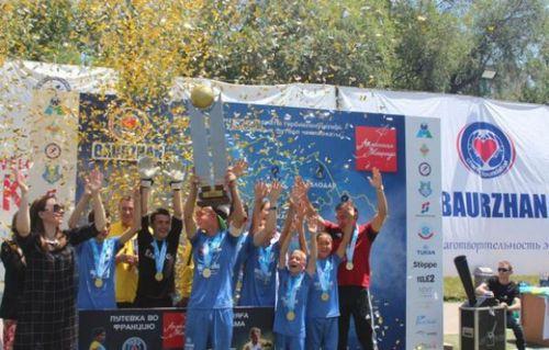 Казахстанские футболисты встретятся с неймаром и дани алвесом