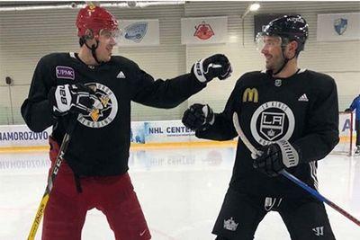 Ковальчук и малкин хотят научить дзюбу играть в хоккей