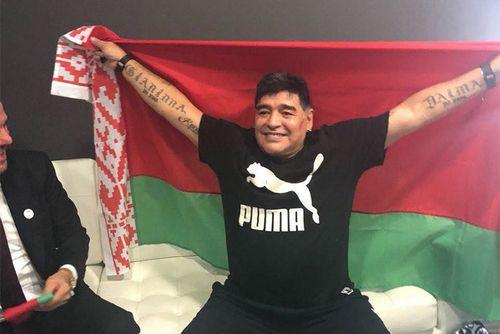 Марадона теперь работает в «динамо» брест. мир сошел с ума