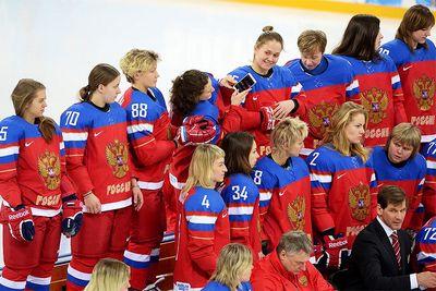 Мок пожизненно отстранил от участия в ои 6 российских хоккеисток