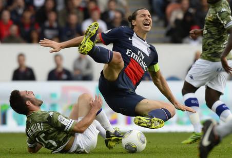 Монако потерял очки в матче с сошо и позволил псж остаться единоличным лидером