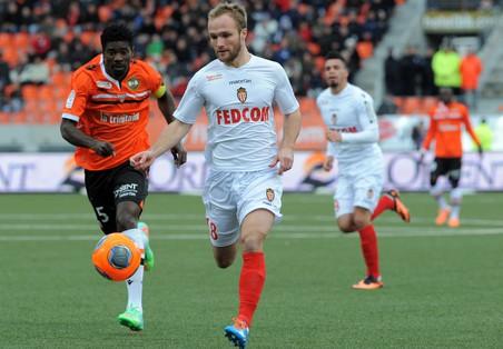 Монако проиграл сент-этьену в чемпионате франции по футболу