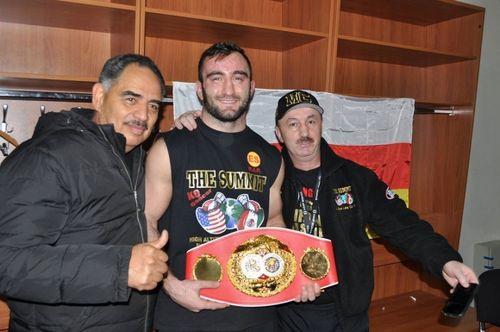 Мурат гассиев завоевал титул чемпиона мира по версии ibf