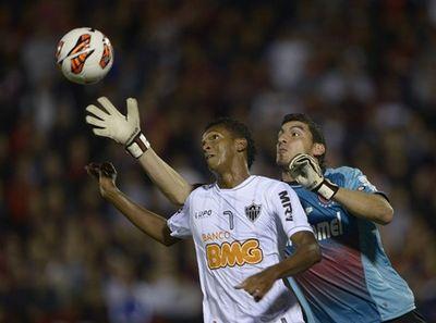 Ньюэллс и олимпия выиграли первые домашние матчи кубка либертадорес