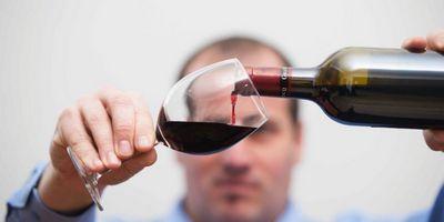 Пить вино, не заниматься спортом и жить долго