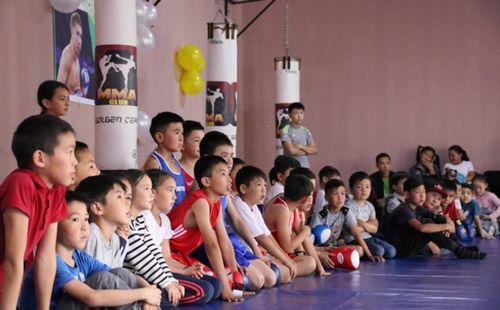 Победители и призеры чемпионатов мира и азии провели мастер-класс для детей в алматы