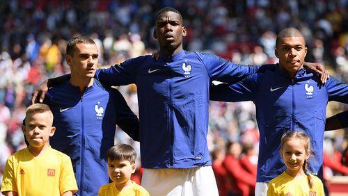 Почему на форме сборной франции всегда был петух?