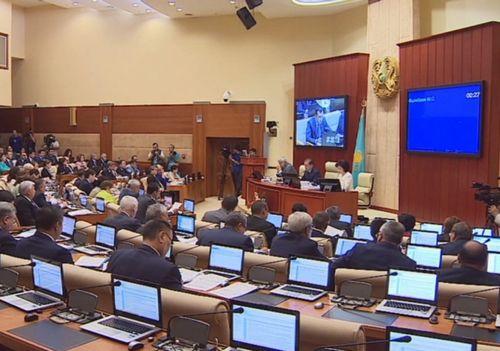 Подробности пленарного заседания мажилиса парламента рк