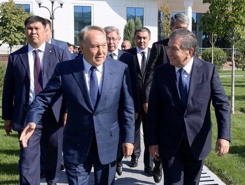 Президент казахстана посетил с рабочим визитом узбекистан