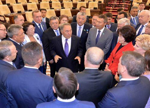 Президент казахстана поставил перед депутатами новые задачи