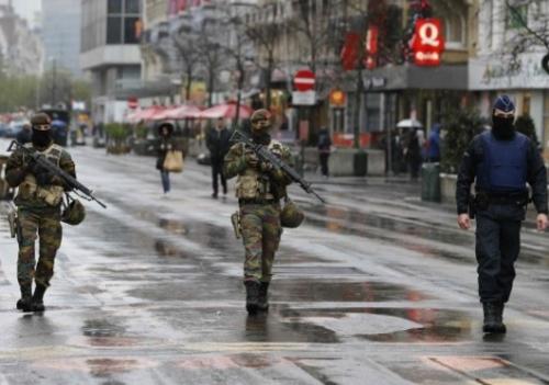 Уровень угрозы терактов в бельгии остается на предпоследней третьей отметке