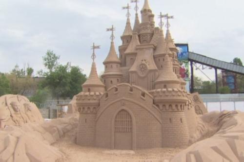 В алматы проходит фестиваль песчаных скульптур sand fantasy