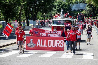«Вашингтон» провёл чемпионский парад после завоевания кубка стэнли