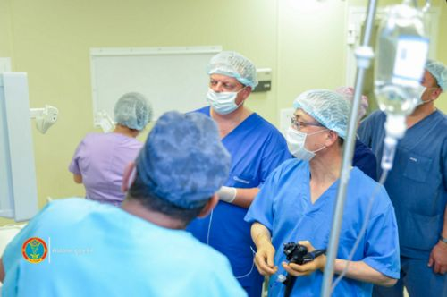 Ведущий врач из сеула провел в столице мастер-класс