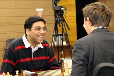Виши ананд выиграл турнир претендентов и сразится с магнусом карлсеном за шахматную корону