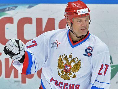 Владимир юрзинов: знарку нужна работа в клубе