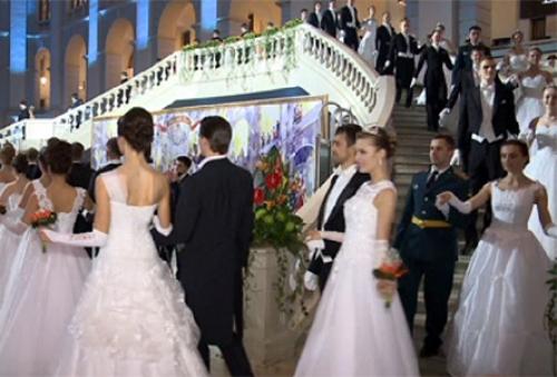 Xiv венский бал прошел в гостином дворе в центре москвы