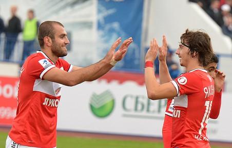 Зенит обыграл терек в восьмом туре чемпионата россии по футболу
