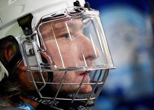 Знаменитости ночной хоккейной лиги: плющенко, мостовой, новосельцев